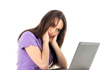 девушка, волосы, усталость, ноутбук