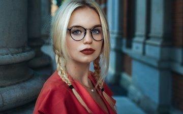 девушка, взгляд, очки, лицо, красная помада, косички