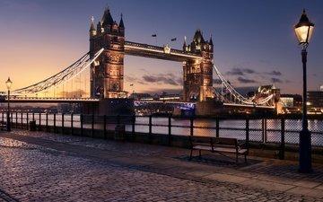 фонари, вечер, река, великобритания, лондон, город, англия, набережная, скамья, освещение, тауэрский мост