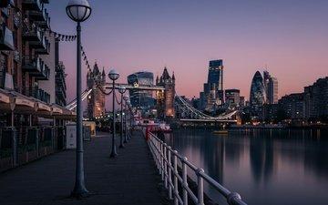 фонари, вода, вечер, река, мост, лондон, город, англия, набережная, здания