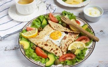 лимон, помидор, оливки, салат, авокадо, яичница, лаваш