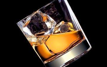 напиток, лёд, черный фон, стакан, алкоголь, виски