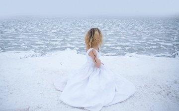 озеро, снег, берег, девушка, платье, холод, lichon