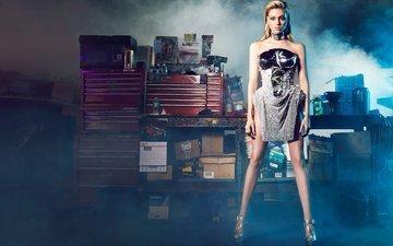 платье, блондинка, дым, модель, актриса, макияж, прическа, фигура, туфли, позирует, стоит, фотосессия, никола пельтц
