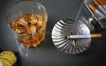 стиль, винтаж, ретро, дым, часы, пепельница, стакан, алкоголь, сигарета, виски, спиртное