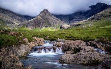 трава, облака, горы, камни, ручей, туман, водопад, шотландия, fairy pools