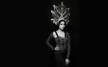 eyes, girl, pose, black and white, model, actress, figure, indian, shriya saran