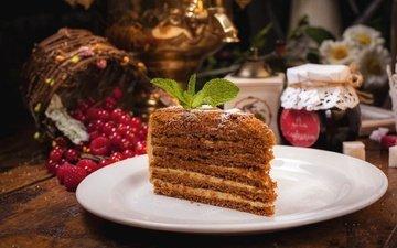 ягоды, сладкое, мед, торт, десерт, кусок, медовик