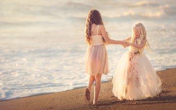 берег, море, песок, пляж, дети, танец, девочки, платья, beach happy, две девочки