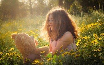 цветы, настроение, поляна, девочка, игрушка, плюшевый мишка