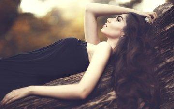 дерево, девушка, платье, брюнетка, профиль, плечи, ствол