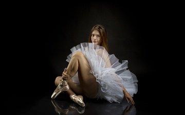 девушка, взгляд, волосы, черный фон, katy, балерина