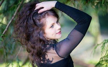 девушка, улыбка, портрет, взгляд, модель, волосы, лицо, голубые глаза, в чёрном, pia