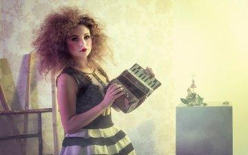 девушка, настроение, музыка, взгляд, волосы, макияж, гармошка