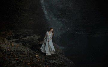 девушка, платье, водопад, обрыв, рыжеволосая, aleah michele, melancholic