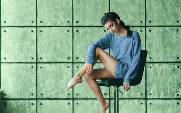 фон, поза, стул, модель, ноги, свитер