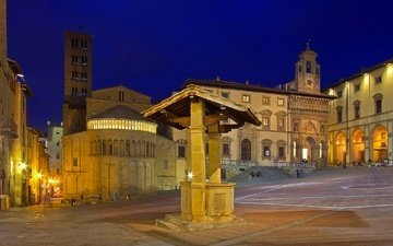 ночь, огни, башня, италия, площадь, колодец, тоскана, ареццо
