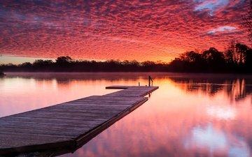 облака, деревья, озеро, мостик, причал, зарево