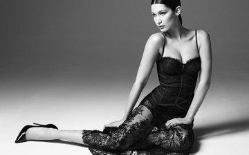 девушка, платье, взгляд, чёрно-белое, модель, волосы, вырез, декольте, белла хадид