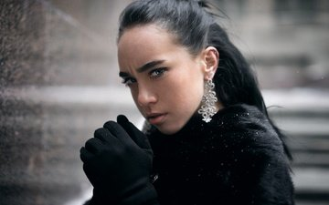 снег, девушка, брюнетка, взгляд, губки, сёрьги, шуба, перчатки, ангелина карачун