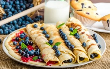 berries, blueberries, milk, pancakes, jam, cupcakes, pancakes stuffed