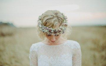 цветы, блондинка, венок, белое платье, невеста