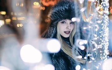 девушка, портрет, взгляд, модель, гирлянды, лицо, милая, макияж, огоньки, шуба, иван проскурин, изумительная, алиса тарасенко