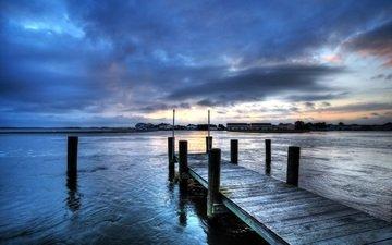 небо, вечер, река, закат, тучи, пирс, причал, дома