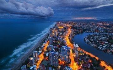 облака, огни, берег, закат, тучи, город, океан, здания, австралия, пасмурно, голд-кост, квинсленд, золотое побережье