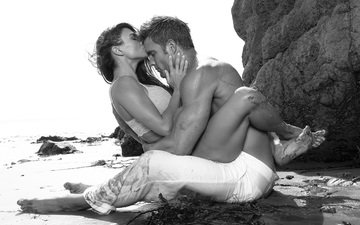 beach, black and white, love, male, woman, kiss