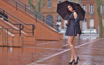 девушка, платье, взгляд, ноги, дождь, волосы, зонт, каблуки
