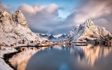 облака, горы, зима, деревня, дома, норвегия, лофотенские острова, рейне, хамней