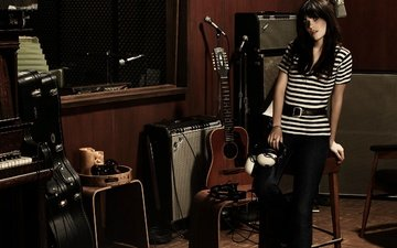 brunette, guitar, headphones, actress, singer, piano, acoustics, instyle, zooey deschanel, giampaolo sgura, recording studio
