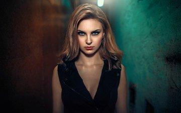 девушка, портрет, взгляд, волосы, макияж, прическа, шатенка, в чёрном, дамиан piórko