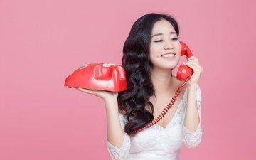 девушка, улыбка, взгляд, волосы, лицо, телефон