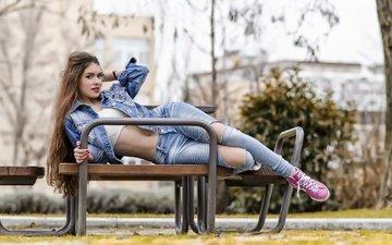 девушка, взгляд, модель, джинсы, волосы, скамья, пирсинг, куртка, п, gabriela