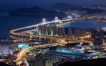 дорога, ночь, огни, море, мост, вид сверху, город, южная корея, пусан