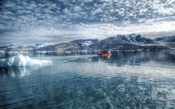 холмы, снег, зима, море, лодка, льдины, рыбаки