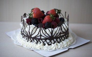 малина, клубника, ягоды, шоколад, сладкое, торт, десерт, ежевика, крем