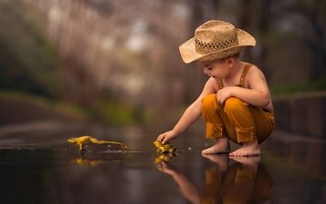 reflection, children, boy, hat, frogs, barefoot
