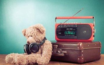 мишка, наушники, игрушка, чемодан, радио, плюшевый мишка, радиоприёмник