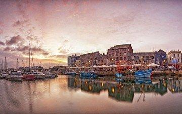 море, рассвет, яхты, дома, набережная, розовый, рыболовные лодки