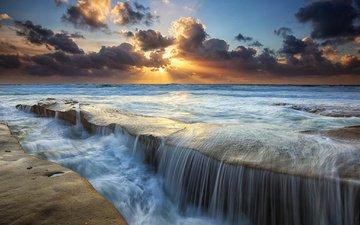 небо, облака, солнце, камни, лучи, море, водопад, поток