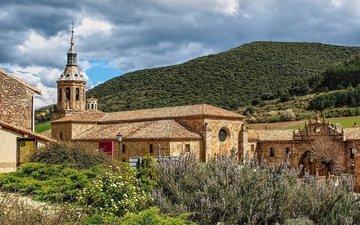 небо, трава, облака, горы, солнце, лес, кусты, испания, монастырь, la rioja, monasterio de yuso