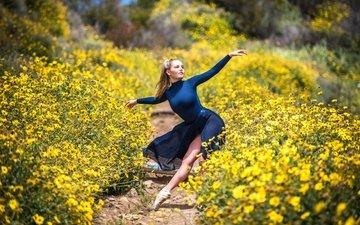 цветы, природа, девушка, блондинка, танец