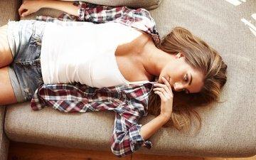 рука, девушка, лежит, волосы, лицо, отдых, рубашка, шорты, настя