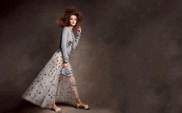 стиль, фон, модель, наряд, макияж, прическа, туфли, шатенка, vogue, джиджи хадид