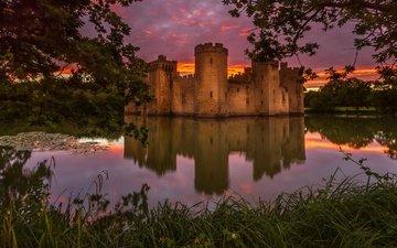 трава, деревья, вода, вечер, закат, отражение, ветки, листва, замок, англия, пруд, замок бодиам