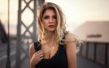 вечер, девушка, блондинка, портрет, модель, макияж, в чёрном, боке, мартин кюн, alyna