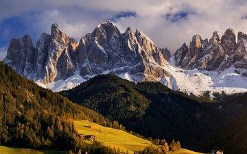 небо, облака, деревья, горы, снег, домики, италия, южный тироль, доломиты, tomas morkes